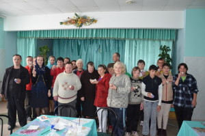 Православна «молодіжка» разом з підопічними геріатричного пансіонату створювали писанки