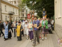"""Єпископ Тихон благословив учасників хресного ходу """"Миру, любові та молитви за Україну"""" до Почаївської Лаври (ФОТО, ВІДЕО)"""