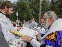 Преосвященніший Тихон молитовно підтримав громаду Свято-Благовіщеньского храму Коломиї (Фото, відео)