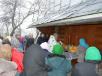 Попри відкрите небажання православної громади с. Старий Гвіздець очільник Київського патріархату за підтримки поліції увійшов до захопленого храму