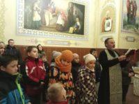 Учні Недільної школи кафедрального собору відвідали святі місця Буковини