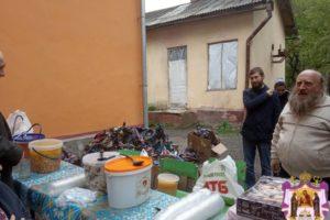 Напередодні Пасхи потребуючі мешканці Івано-Франківська отримали великодні подарунки