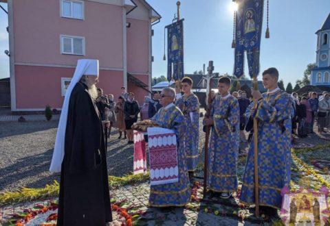 """Парафія храму на честь ікони Божої Матері """"Всецариця"""" відзначила престольне свято"""
